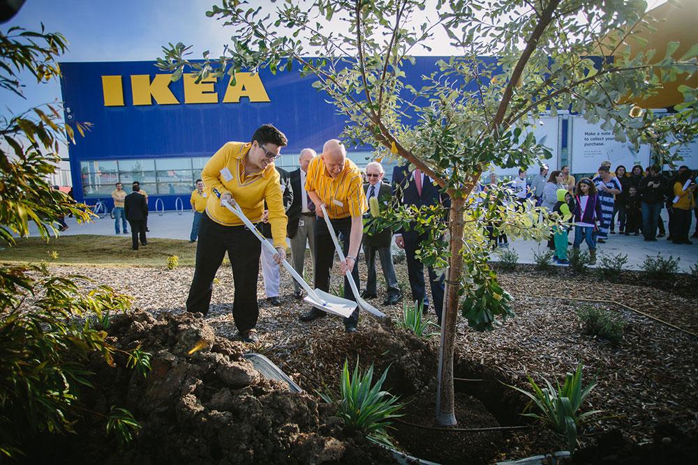 150528_IkeaOpening_0058-community